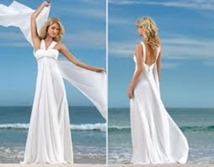 fd9da9a607 In light wind, this is a wonderful Wedding Dress for a beach setting ...
